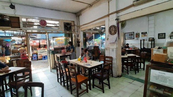 Menyeruput Kopi Sambil Menikmati Suasana Tempo Dulu di Kedai Kopi Es Tak Kie Glodok