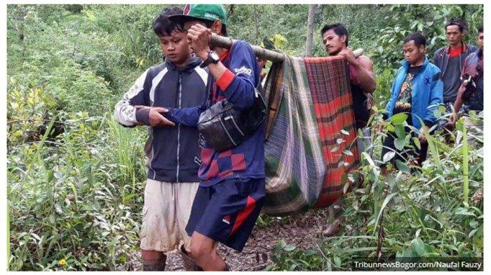 korban-longsor-di-desa-pasir-madang-kecamatan-sukajaya-kabupaten-bogor.jpg