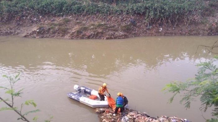 Jasad Bocah Laki-laki Tanpa Indentitas Ditemukan di Pintu Air Kalimalang Bekasi