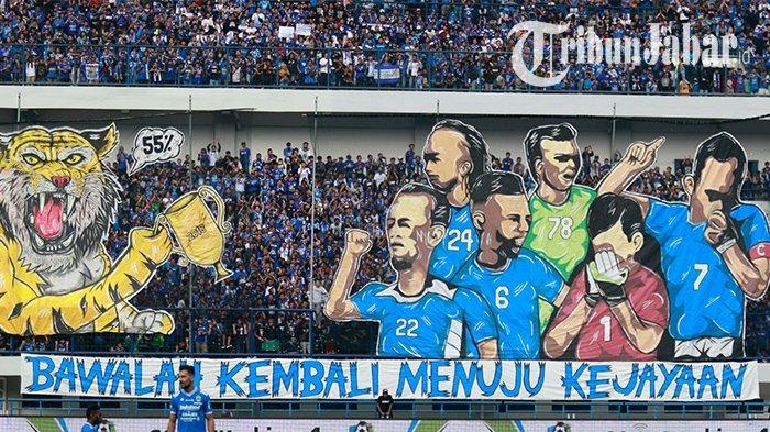 Koreo bobotoh di laga Persib Bandung vs Sriwijaya FC di pekan ke-18 Liga 1 2018, Stadion GBLA, Kota Bandung, Sabtu (4/8/2018)