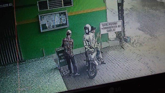 Diduga Anak Kembar Terekam CCTV Ambil Uang di Kotak Amal, Pengurus Musala Tak Mau Ambil Jalur Hukum