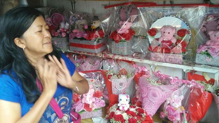 Tak Hanya Mawar, Parsel Boneka Juga Jadi Buruan Masyarakat di Hari Valentine