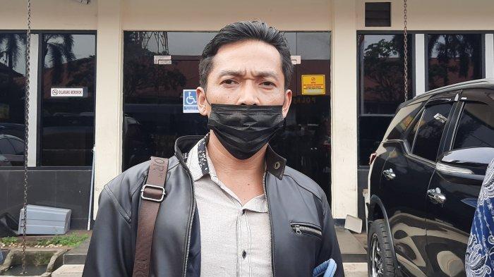 Kuasa Hukum dari LBH GMBI Bekasi Herli yang mendampingi korban dugaan perkosaan berinisial NS (20) di Malolres Bekasi Kota, Selasa (30/3/2021).