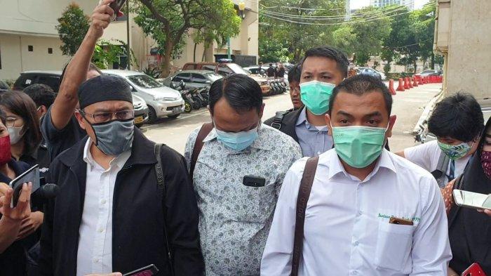 Susul Rizieq Shihab, Tiga Tersangka Kasus Kerumunan Menyerahkan Diri ke Polda Metro Jaya