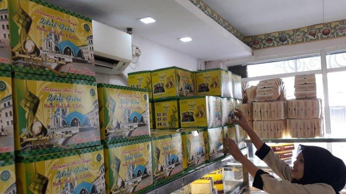 Memasuki Hari Ke 12 Puasa Penjual Kue Lebaran Mulai Bermunculan Di Bekasi Tribun Jakarta