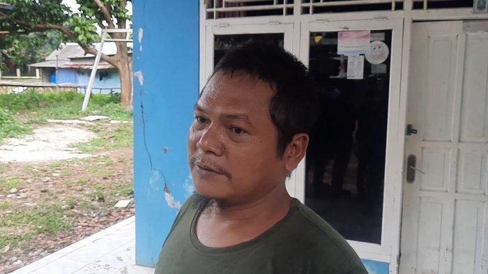 Kusnadi Ketua RT01 RW05 Kelurahan Padurenan, Mustikajaya, Kota Bekasi.
