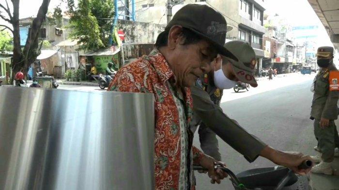 Terkena Razia Masker di dekat Gedung Roxy Mas, Pengendara Sepeda: Tadi Mau Beli Cat Doang