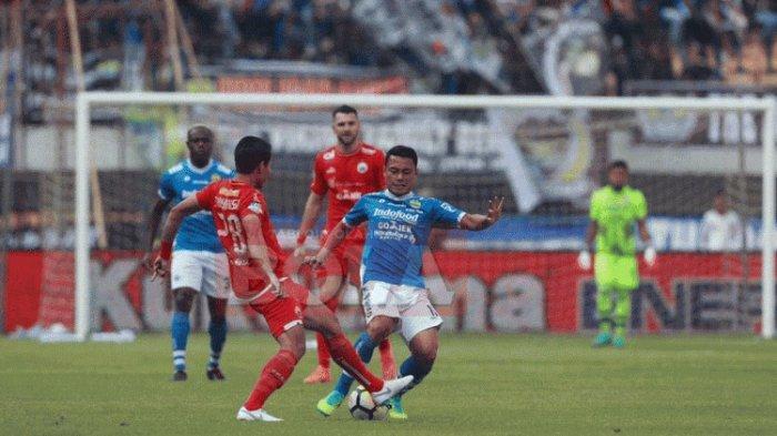 Laga Persib Bandung vs Persija Jakarta yang berlangsung di Gelora Bandung Lautan Api, 23 September 2018
