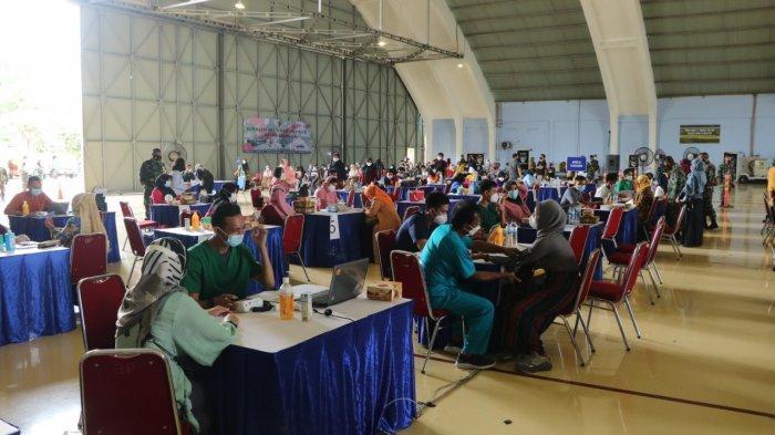 Ribuan Anggota Keluarga TNI AU Terima Vaksinasi Covid-19 di Lanud Halim Perdanakusuma