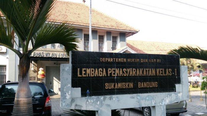 Eks Dirut PT Garuda Indonesia Emirsyah Satar Dijebloskan ke Lapas Sukamiskin
