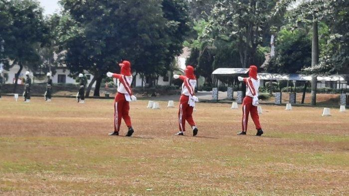 Pasukan Pengibar Bendera Pusaka di Istana Mulai Jalani Latihan di Cibubur dengan Pemeriksaan Ketat