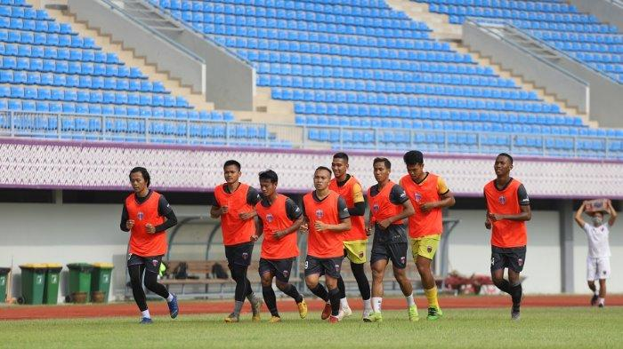 Persita Tangerang menggelar latihan perdana sebagai persiapan tampil di Piala Menpora 2021