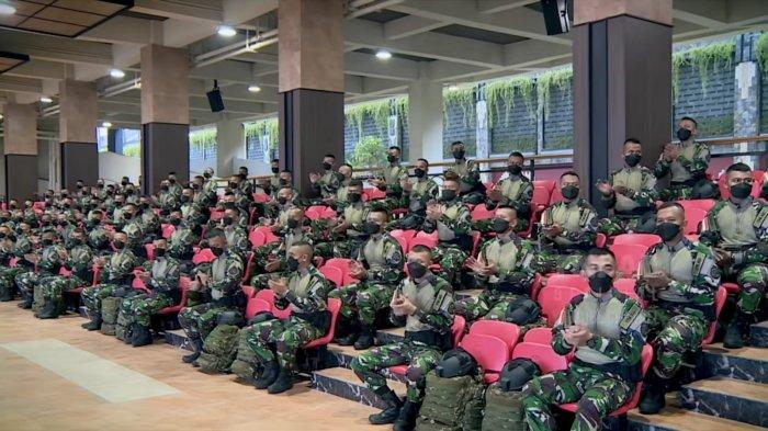 100 prajurit TNI AD yang tergabung dalam Garuda Airborne ke Amerika Serikat.
