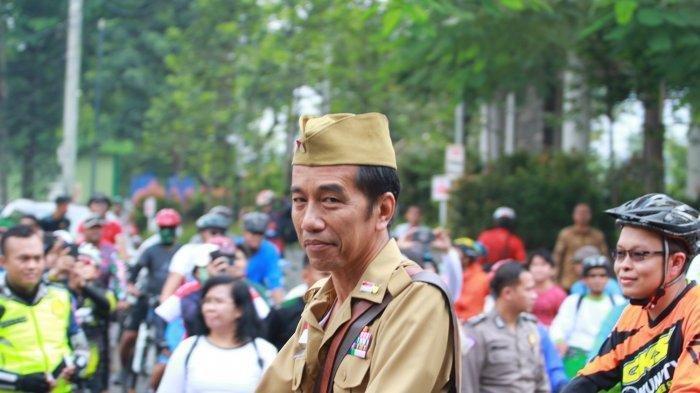 Cerita Jokowi Bersepeda Tanpa Rem Tangan Bareng Ridwan Kamil di Hari Pahlawan: Saya Agak Grogi