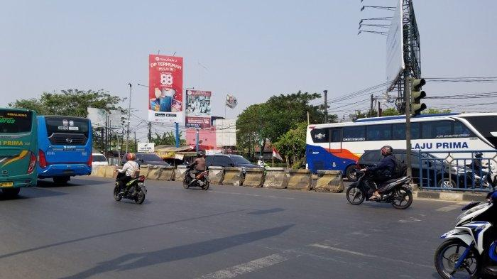 Lokasi jalur putar balik di Jalan Jenderal Sudirman yang ditutup oleh Polres Metro Tangerang Kota, Selasa (20/8/2019).
