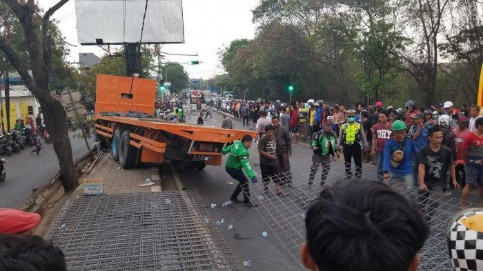 Kronologis Kecelakaan Maut Truk Rem Blong di Tangerang Tewaskan Ibu dan Anak
