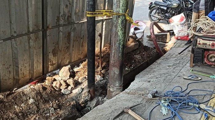 Gara-gara Salah Gali, Kabel PLN di Jalan Plumpang Terputus dan Meledak