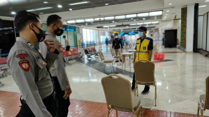 Posko swab antigen yang digelar Polresta Bandara Soekarno-Hatta di Terminal 2 dan 3 kedatangan domestik saat puncak arus mudik, Sabtu (15/5/2021) malam.