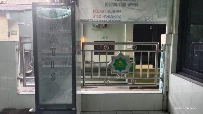 Terdampak Pandemi, Donatur Hentikan Sementara Kopi hingga Air Mineral Gratis Dalam Gang di Makasar