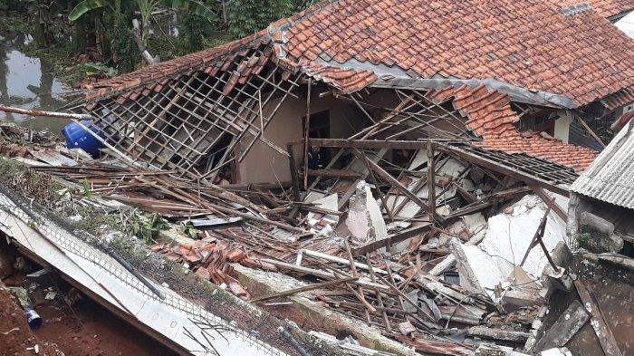 Hujan Deras Sehari Semalam, 11 Kecamatan di Tasikmalaya Diterjang Banjir dan Longsor, 1 Orang Tewas