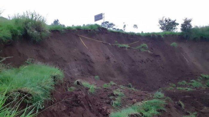 Arti Mimpi Tanah Longsor Menurut Primbon Jawa, Pertanda Baik Bila Ditolong Orang