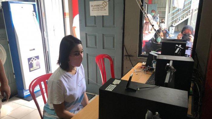 Lewat Video Call, Lucinta Luna Diberitahu Telah Berstatus Tahanan Kejaksaan
