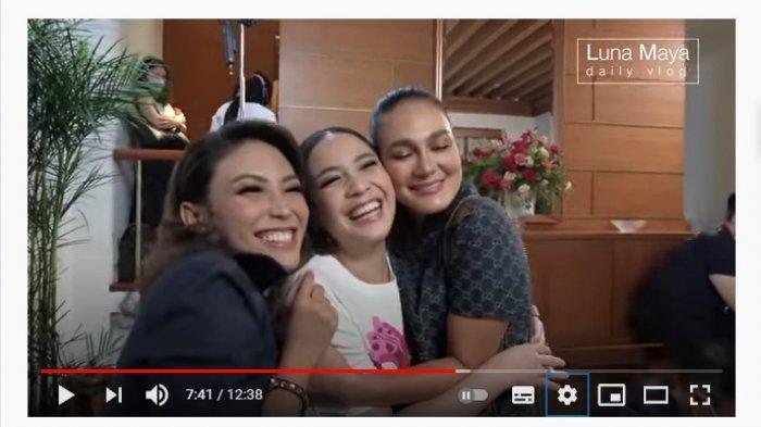 Nagita Slavina Nangis Dengar Detak Jantung Bayi saat Cek Kandungan, Ayu Dewi Terharu Beri Selamat