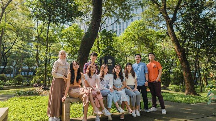 Universitas Multimedia Nusantara (UMN) di Kabupaten Tangerang, Banten, memiliki lingkungan belajar dengan ruang terbuka dan dipenuhi pepohonan yang rindang. Foto diambil sebelum pandemi.