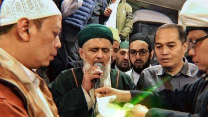 Rambut Nabi Muhammad SAW Dijaga 100 Pasukan Khusus & Dikawal 7 Pesawat Tempur, MUI Bereaksi Begini