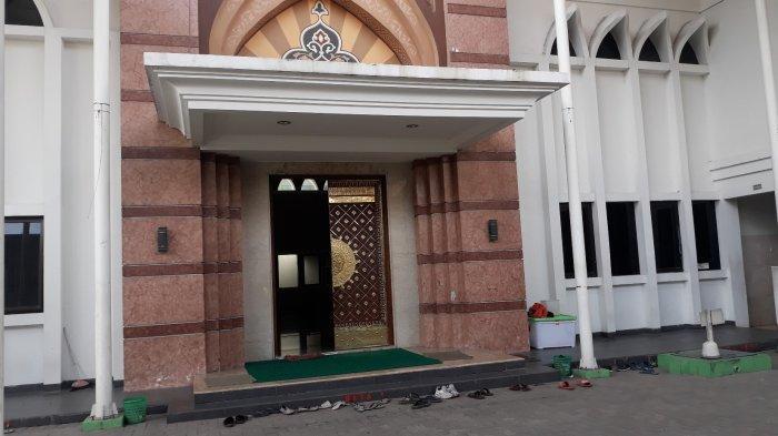 Suasana tampak depan maqam Habib Abdurrahman bin Abdullah Al Habsyi pada Senin (12/4/2021).