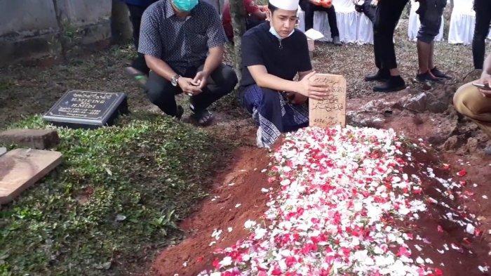 Makam Syekh Ali Jaber di Ponpes Daarul Qur'an, Cipondoh, Tangerang, Kamis (14/1/2021).