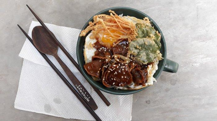 Makanan Tongu Teriyaki di Kafe Mitohausu pada Jumat (9/4/2021).