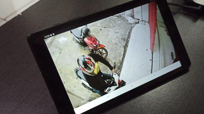 Terekam CCTV, Maling Motor di Parkiran Toko Besi Sunter Beraksi dalam Hitungan Detik