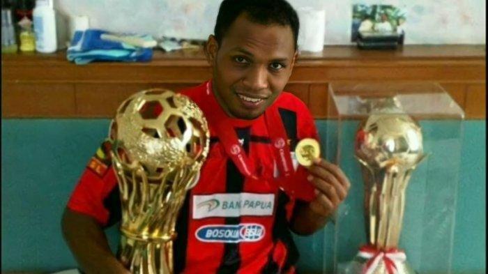 Mantan pemain Timnas Indonesia Heru Nerly menghembuskan nafas terakhir pada Selasa (31/8/2021).