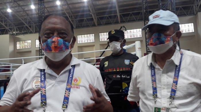 Ketua Umum KONI Pusat, Marciano Norman dan Ketua Umum Pertina, Komaruddin Simanjuntak di GOR Cenderawasih, Kota Jayapura, Sabtu (9/10/2021).