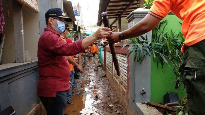 Diterjang Musibah Longsor di Ciganjur, Wali Kota Jaksel Ajak Warga Bersih-bersih Lingkungan