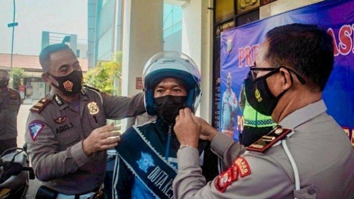 Pengendara Motor Viral Beraksi Sirkus di Tengah Jalan Dinobatkan Jadi Duta Keselamatan Lalu Lintas