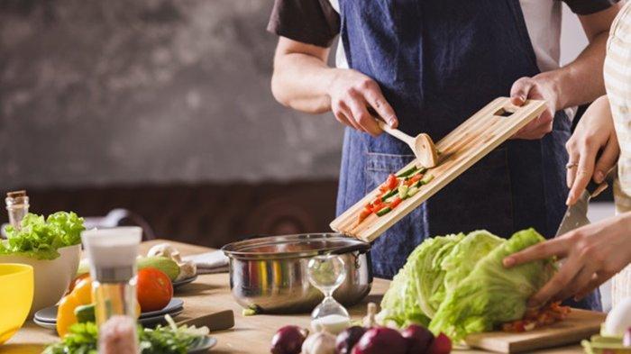 Cara Mencicipi Masakan Saat Berpuasa Agar Tidak Batal Menurut Ustaz Abdul Somad
