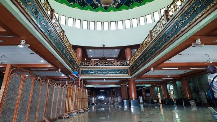 Masjid Agung Al-Barkah Bekasi Persingkat Durasi Tarawih, Takjil Bagi Jemaah Musafir Tetep Disediakan