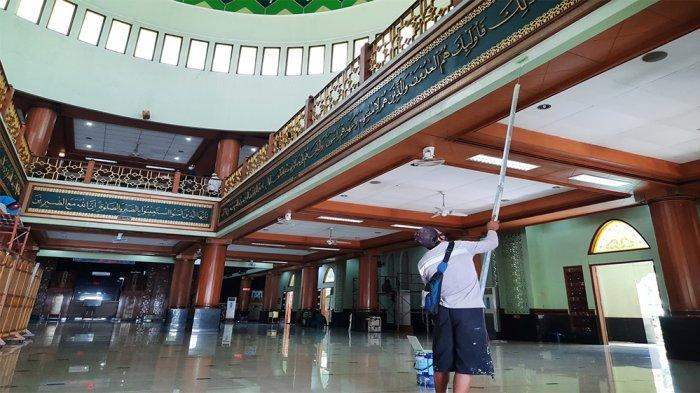 Melihat Persiapan Masjid Agung Al-Barkah Bekasi Jelang Tarawih dan Ibadah Ramadan 1442 H