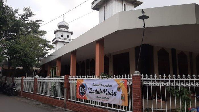 Melihat Masjid Jami Al Anwar: Pondasi, Pintu & Mimbar Berusia Ratusan Tahun Sejak Penjajahan Belanda