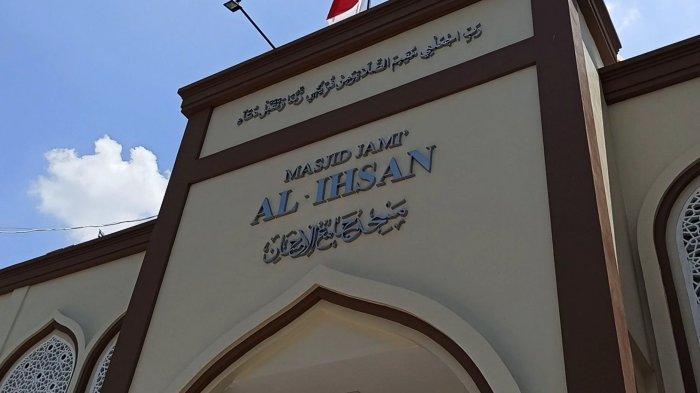 Ditutup untuk Salat Berjamaah Tiga Hari, Masjid di Dekat Rumah Novel Baswedan Disemprot Disinfektan