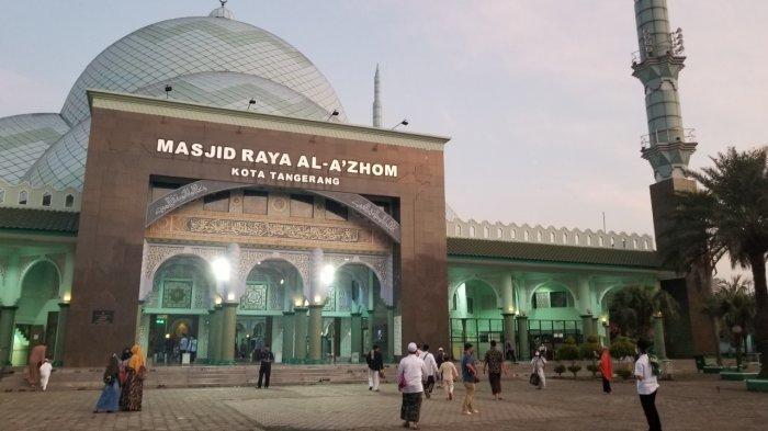 Masjid Raya Al-Azhom Tidak Menyediakan Makan Buka Puasa dan Sahur Selama Ramadan