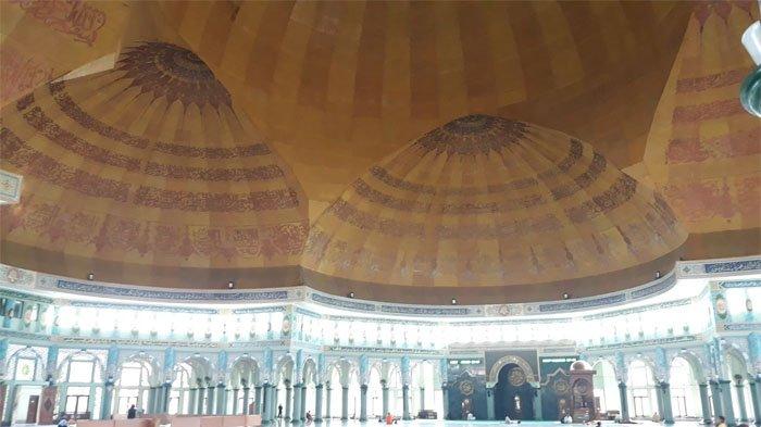 Menengok Megahnya Kubah Terbesar di Dunia Masjid Al-Azhom di Tangerang