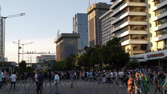 Massa Mulai Berdatangan ke Dekat Gedung Bawaslu RI Jakarta Pusat