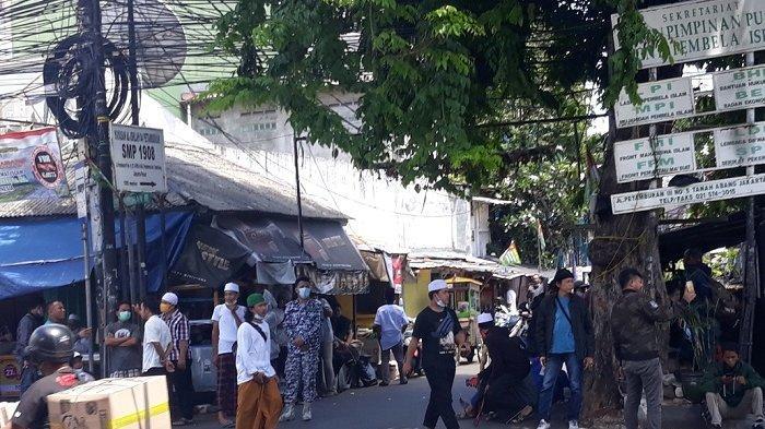Siang Ini, Massa Pro Habib Rizieq Berkumpul di Jalan Petamburan III