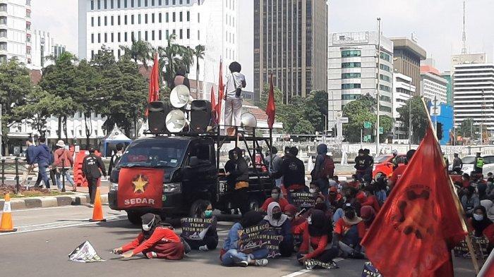 Polisi Amankan 15 Mahasiswa Papua Saat Unjuk Rasa Hari Buruh di Monas