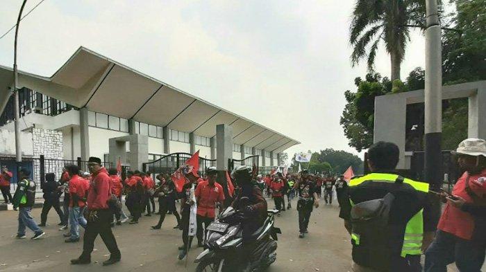 Massa Buruh Tak Menuju Istana Negara, Tetap di Gedung DPR-MPR RI