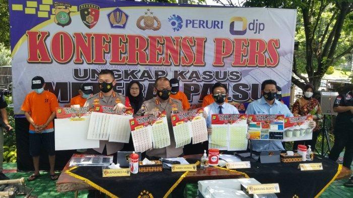 Polisi Ungkap Penyelundupan Meterai Palsu Beromzet Puluhan Miliar Lewat di Bandara Soekarno-Hatta