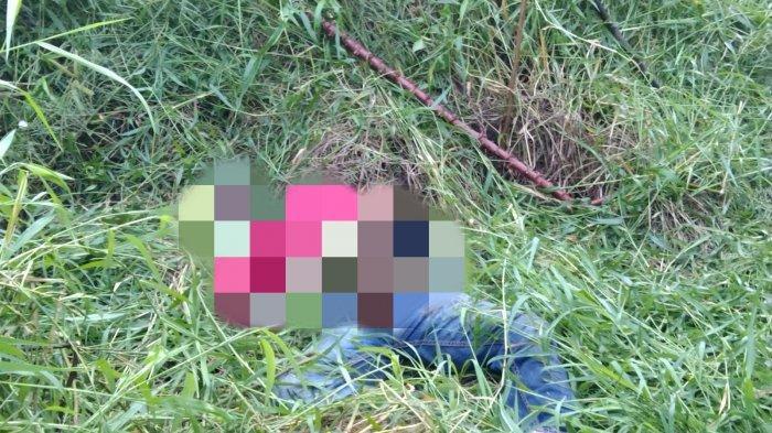 Mayat pria yang jasadnya ditemukan dalam semak-semak di Jalan Patoembak, Harjamukti, Cimanggis, pada Kamis (23/9/2021)
